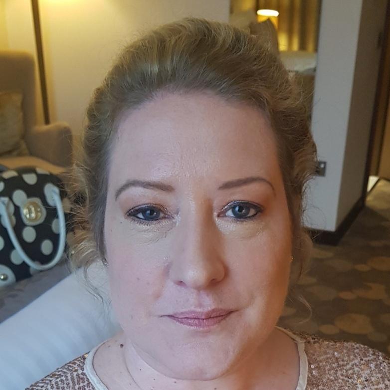 Soft Glam Make-Up